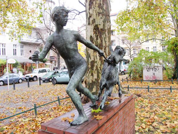 Boy sculpture, Savignyplatz, Berlin, Germany. Photo by Karl Andersson.