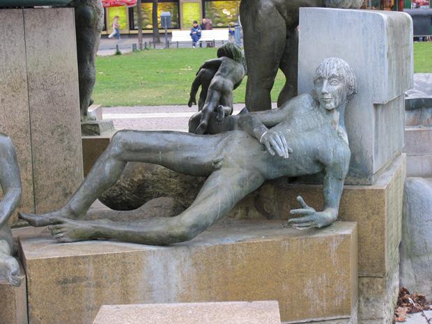 """Sculpture from """"Brunnen der Generationen"""" by Waldemar Grzimek, 1981-1985. Wittenbergplatz, Berlin. Photo by Karl Andersson."""